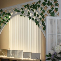 ARCH_WHITE_LATTICE_W_IVY
