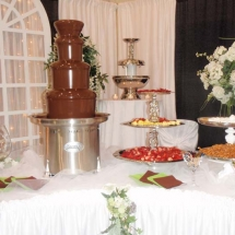 CHOCOLATE FOUNTAIN LARGE 3-TIER 100-250 PEOPLE