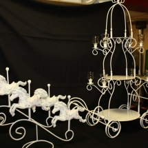 HORSE__CARRIAGE_W_CAKE_STAND