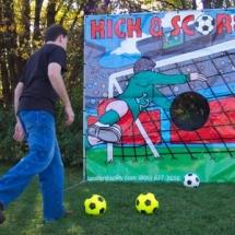 KICK & SCORE SOCCOR GAME-SM